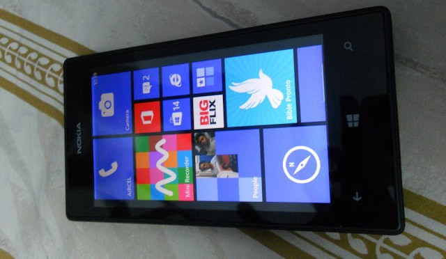 NOKIA LUMIA 520 (Windows Phone) Unboxing + First impression, Reviews, Tips And Tuto....